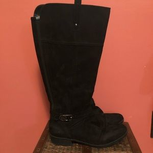 Black suede boots  Size 9 Wide calf -17 inch cir